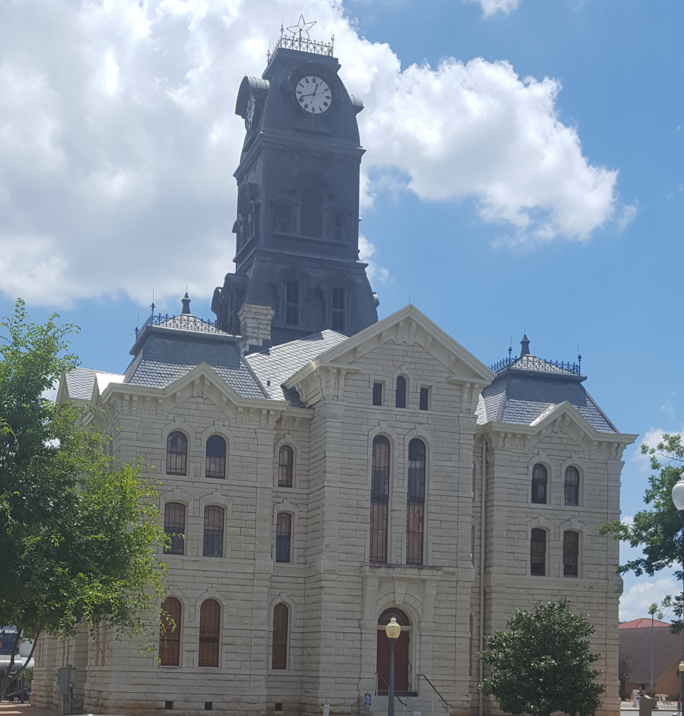 picture of Granbury courthouse - front entrance.
